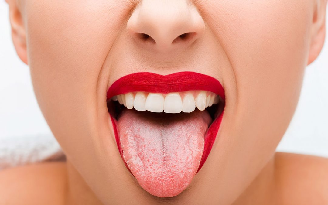 The Importance of Cleaning Your Tongue & How to Use a Tongue Cleaner
